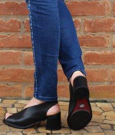 Imagem - Sandália  Feminina Salto Grosso Lolly Em Couro  J.Gean cód: 018330002