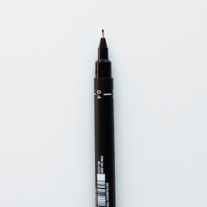 Imagem - caneta uni pin fine line - preta