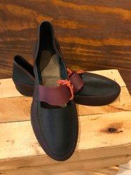 Imagem - Sapato de Látex Preto e Bordô - 248