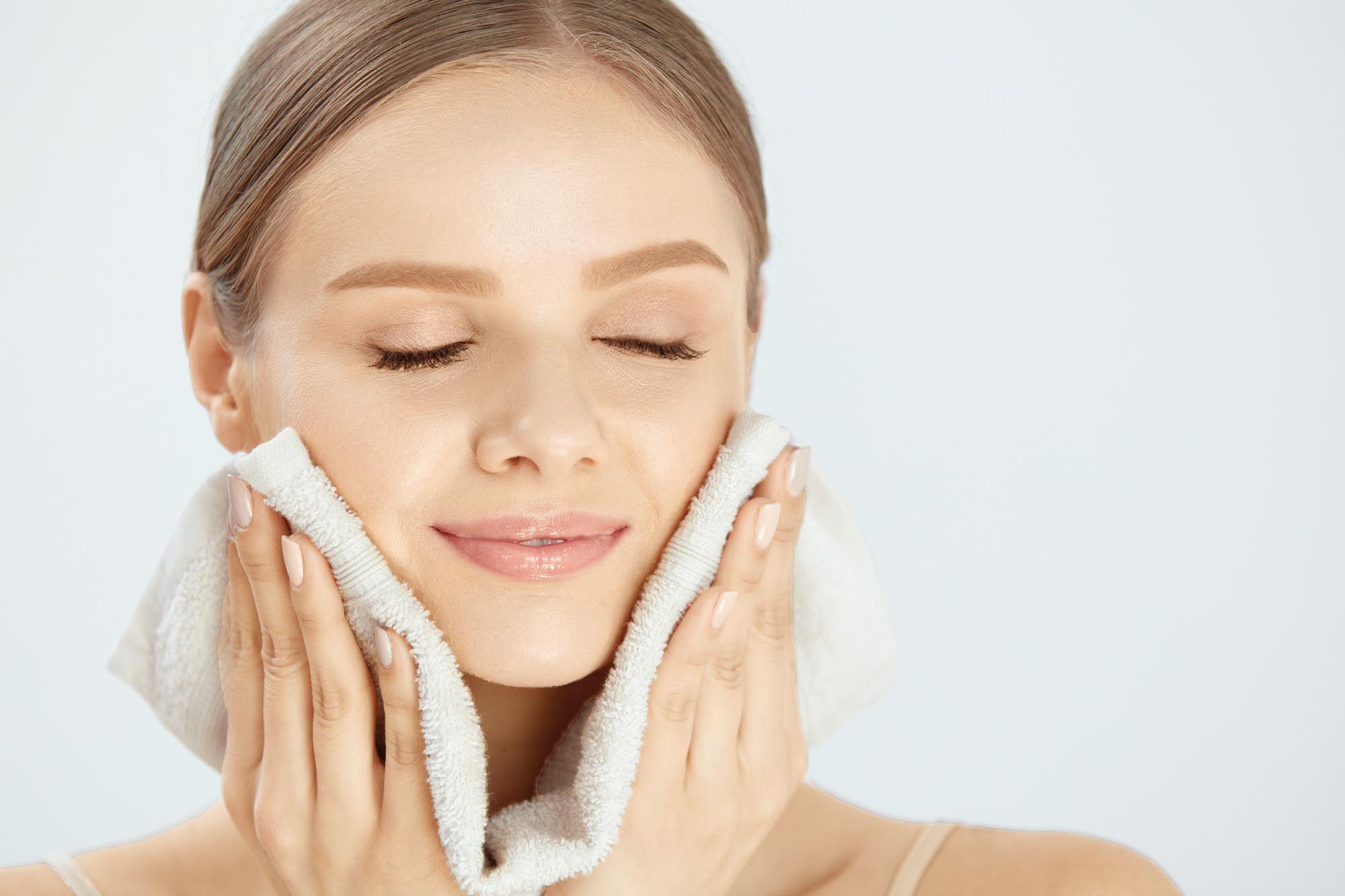 Imagem - Benefícios das escovas de limpeza facial
