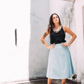 Imagem - Saia Aragäna Feminina Midi Destroyed Jeans Claro - 2.2475