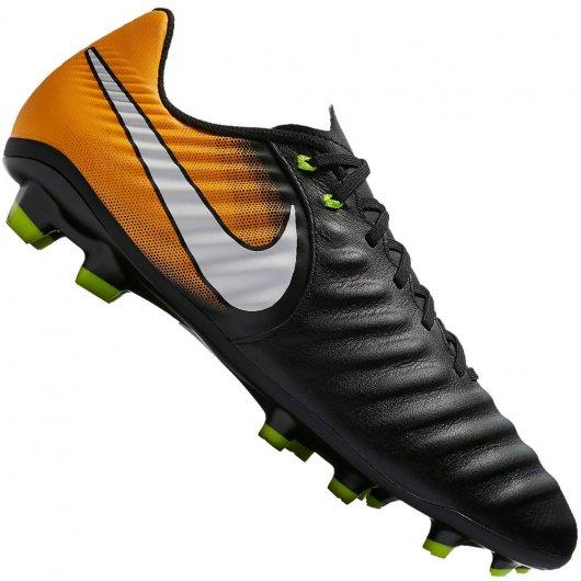 Chuteira Nike Tiempo Ligera IV Campo