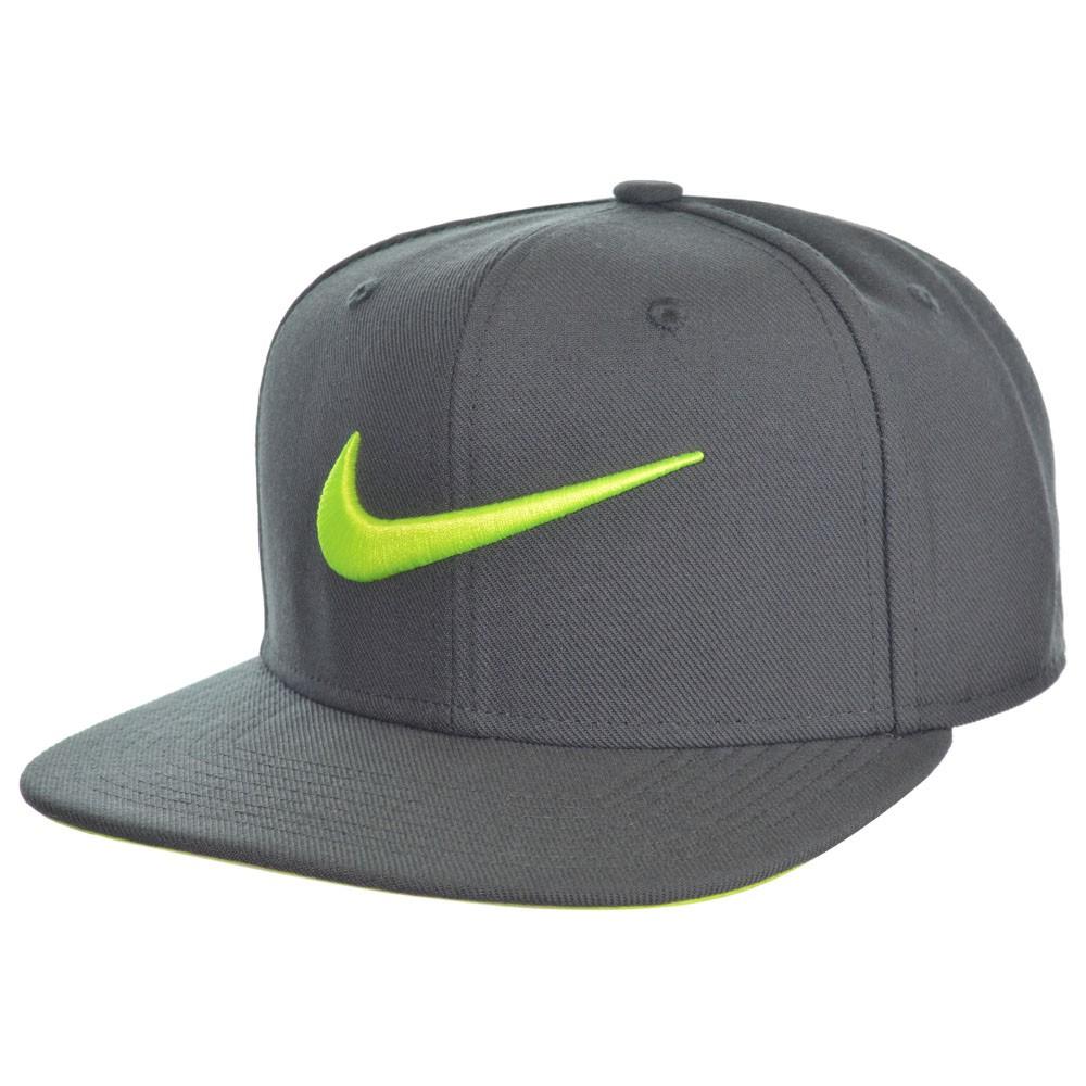 Boné Nike Pro Swoosh 82e96aade9572
