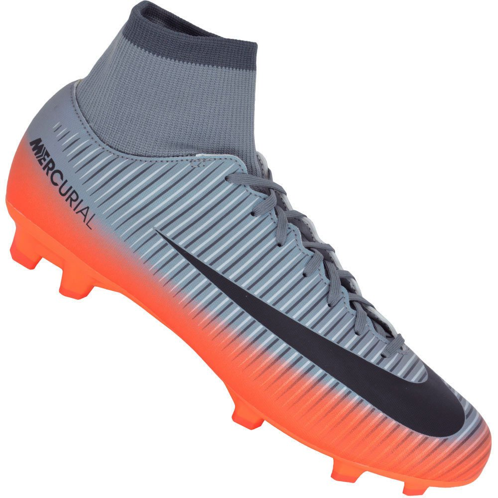 low priced 7f07f e8095 Chuteira Nike Mercurial Victory VI CR7 Campo