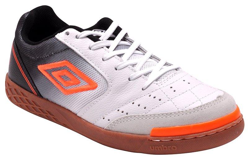 21d7ce308a Tênis Indoor Masculino Umbro Box Of72065 Branco Preto Laranja