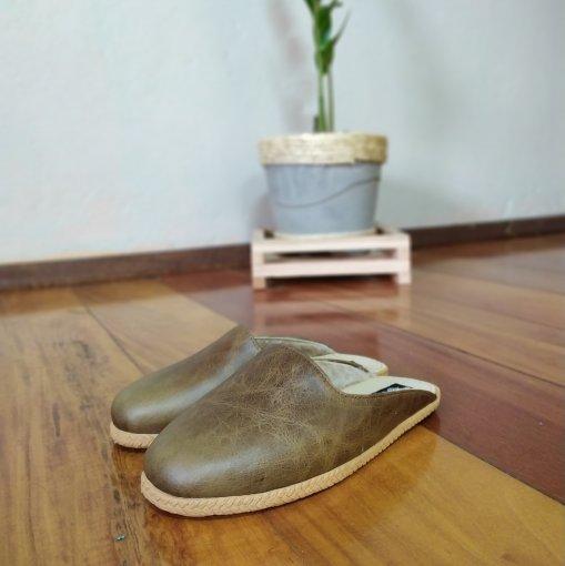 Pantufa | Chinelo de lã em couro forrada em lã térmica sintética Bento