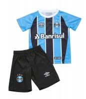 Imagem - Kit Infantil Oficial Umbro Grêmio OF I 2017 715775  - 054492