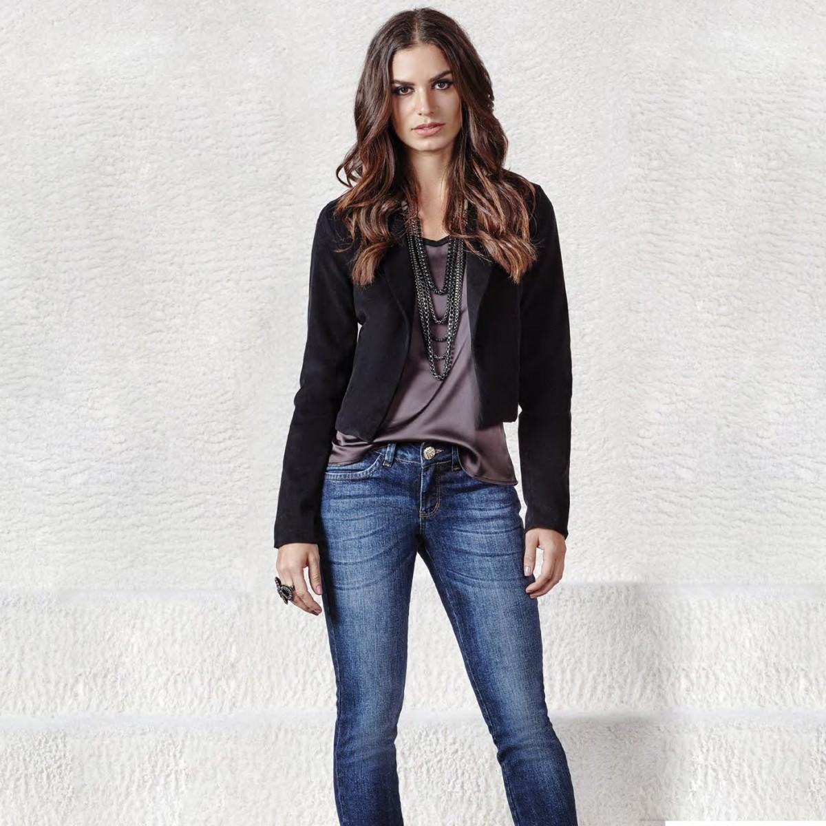 Bizz Store - Blazer Feminino Osmoze Veludo Preto Social Curto 9ff0706506