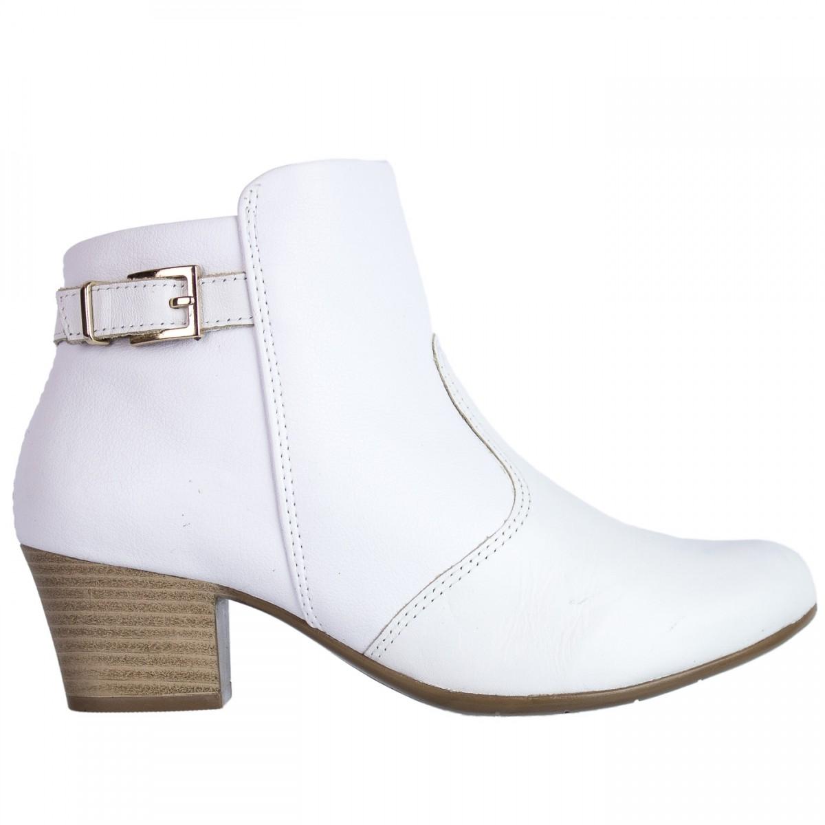 293923b9e Bizz Store - Bota Feminina Branca Comfortflex Cano Curto Couro