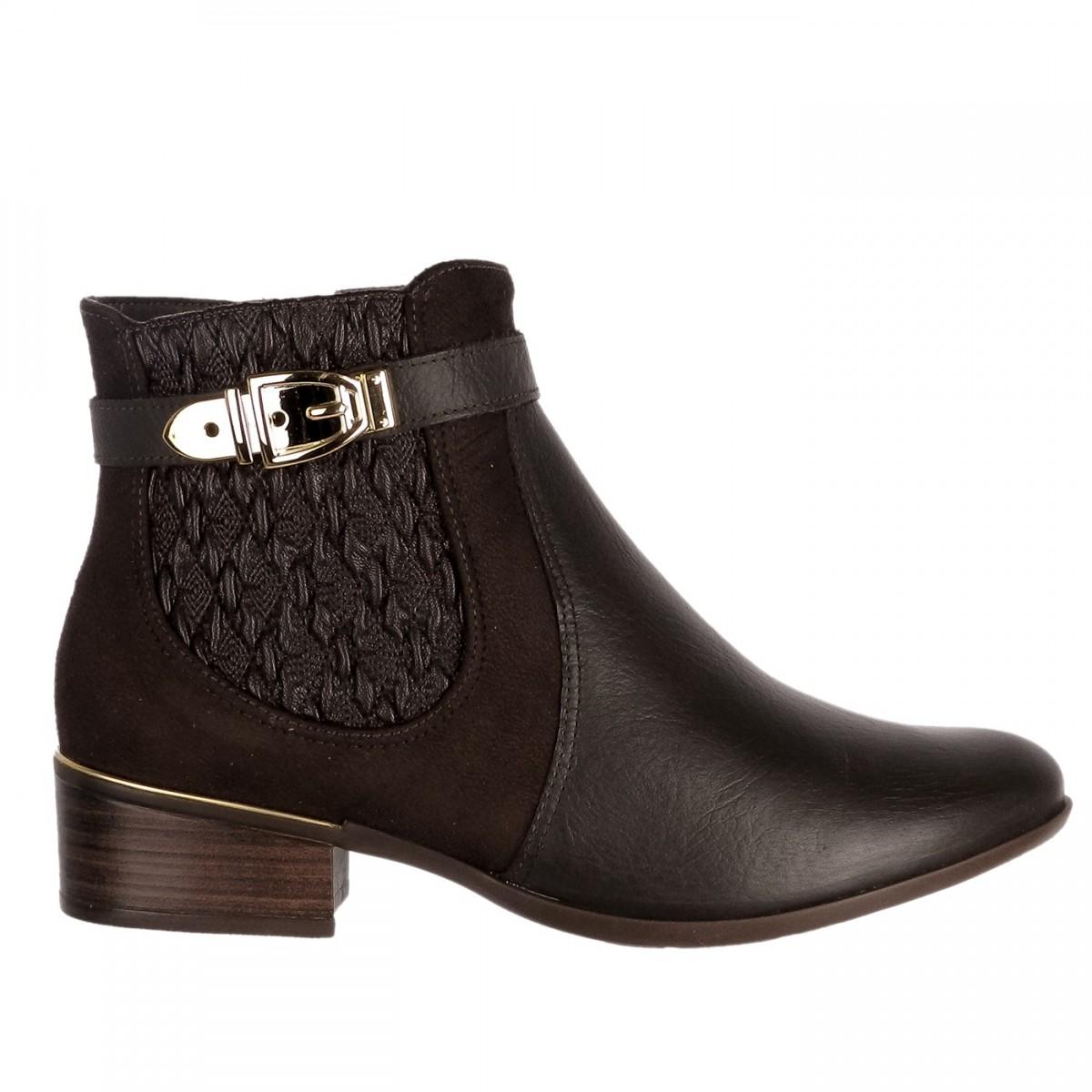 d97a11746 Bizz Store - Bota Feminina Comfortflex Cano Curto Couro Marrom