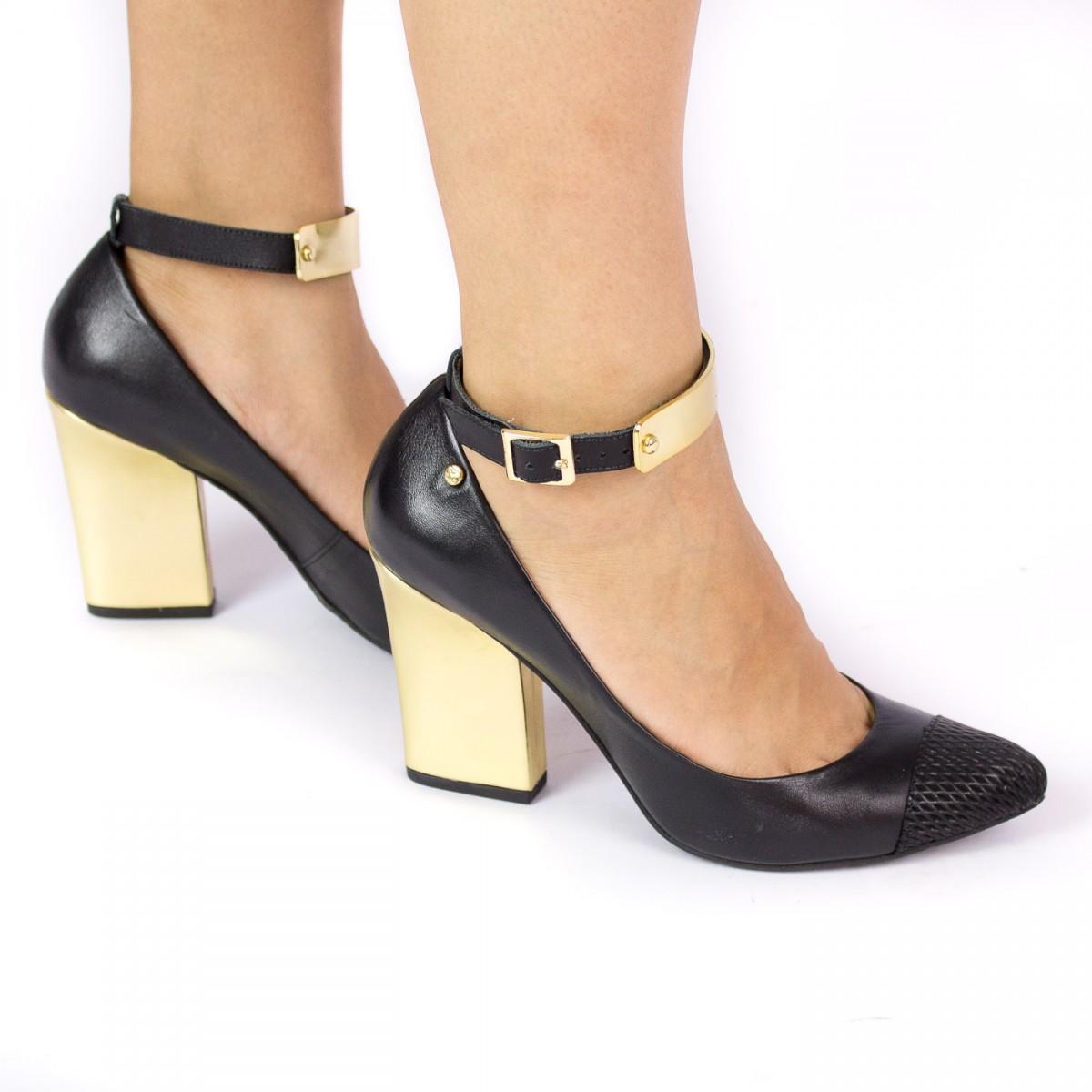 26734d001 Bizz Store - Sapato Feminino Lillys Closet Sabrina Sato Preto