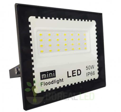 Refletor LED 50W Holofote Bivolt Branco Frio IP66 Externo 4500 lúmens