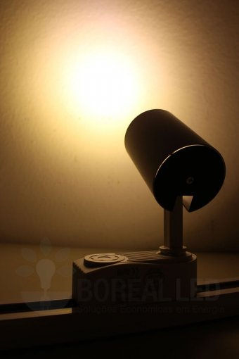 Spot Para Trilho LED 7W Luz Branco Quente 3000K Branco Bivolt