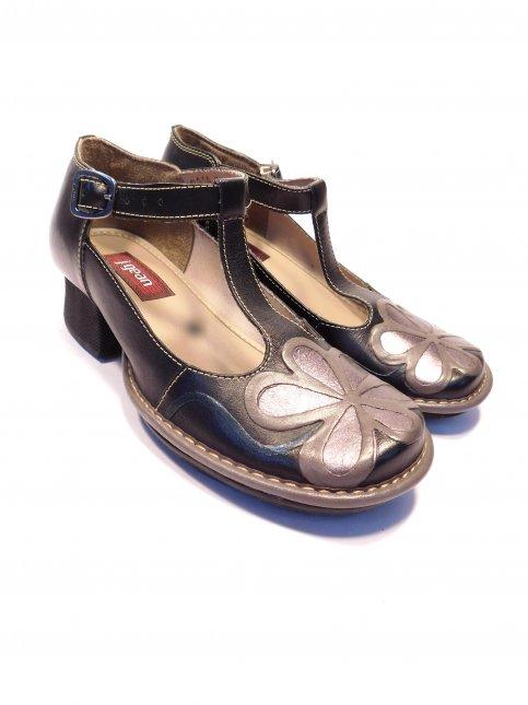 Sapato Em Couro Feminino J.Gean
