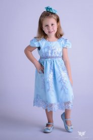 Imagem - Vestido Infantil Azul de Renda e Cinto de Strass