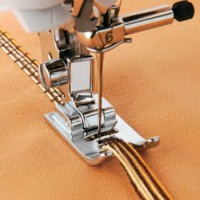 Calcador para cordões e linhas decorativas SA158