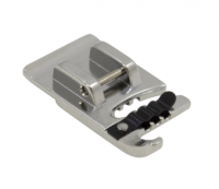 Brother SA110 - Calcador para costurar 3 linhas ou cordões.