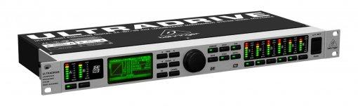 Processador digital 2 in e 6 out, Compressor, EQs e taxa de 24-bits/96 kHz   Behringer   DCX2496LE