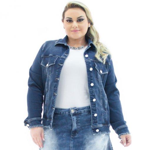 4c9b8feb5e1a Jaqueta Feminina Jeans Over com Barra Desfiada Plus Size