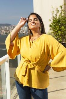 Imagem - Blusa Feminina de Linho com Nó Plus Size