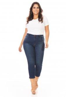 Calça Jeans Feminina Capri Tradicional com Lycra Plus Size