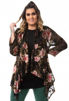 Kimono Floral em Tule e Renda em Veludo Plus Size