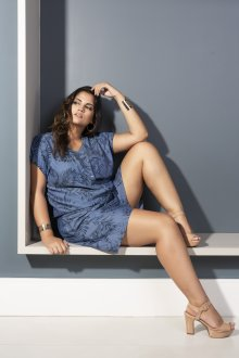 Macacão Feminino Jeans com Estampa Plus Size
