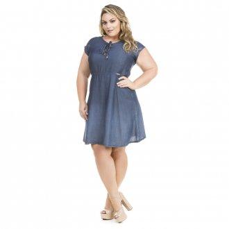 Imagem - Vestido Jeans Evasê com Decote Trançado Plus Size