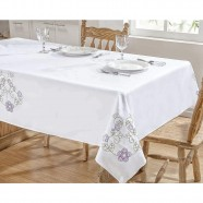 Toalha Mesa 1,40m x 1,40m Dália Branco e Lilás Guga Tapetes