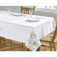 Toalha de Mesa Bordada Dália Branco e Amarelo Guga Tapetes