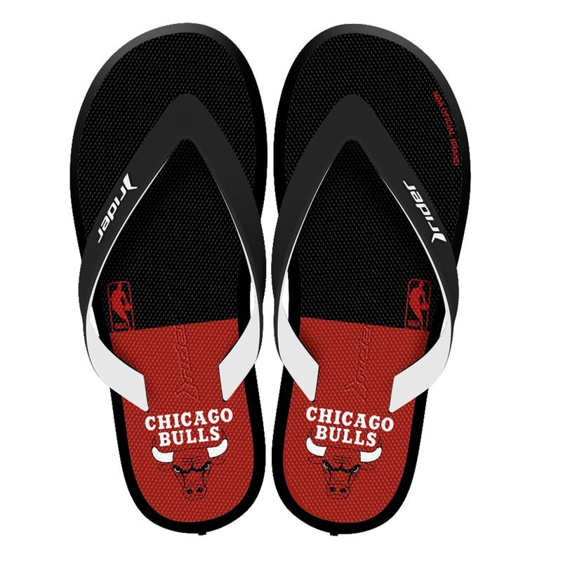 Chinelo Rider R1 NBA Chicago Bulls Masculino - Decker Online! b25177b0d62