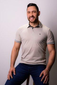 Imagem - Camiseta Polo modelagem Slim Com Plaquinha De Metal No Peito Gola Diferenciada cód: 105553410
