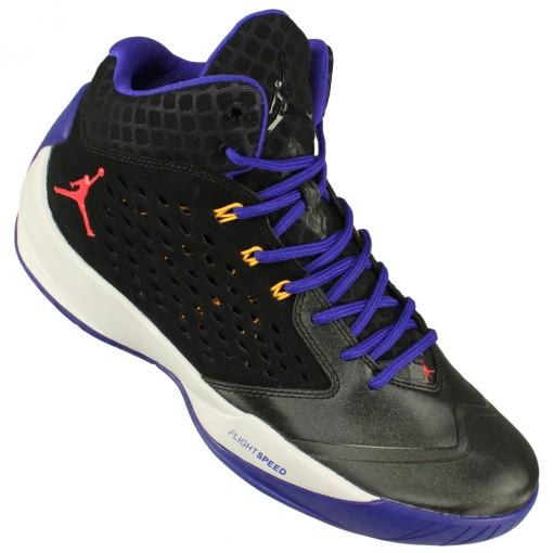 Tênis Nike Rising High - Michael Jordan 8a09735ad1357