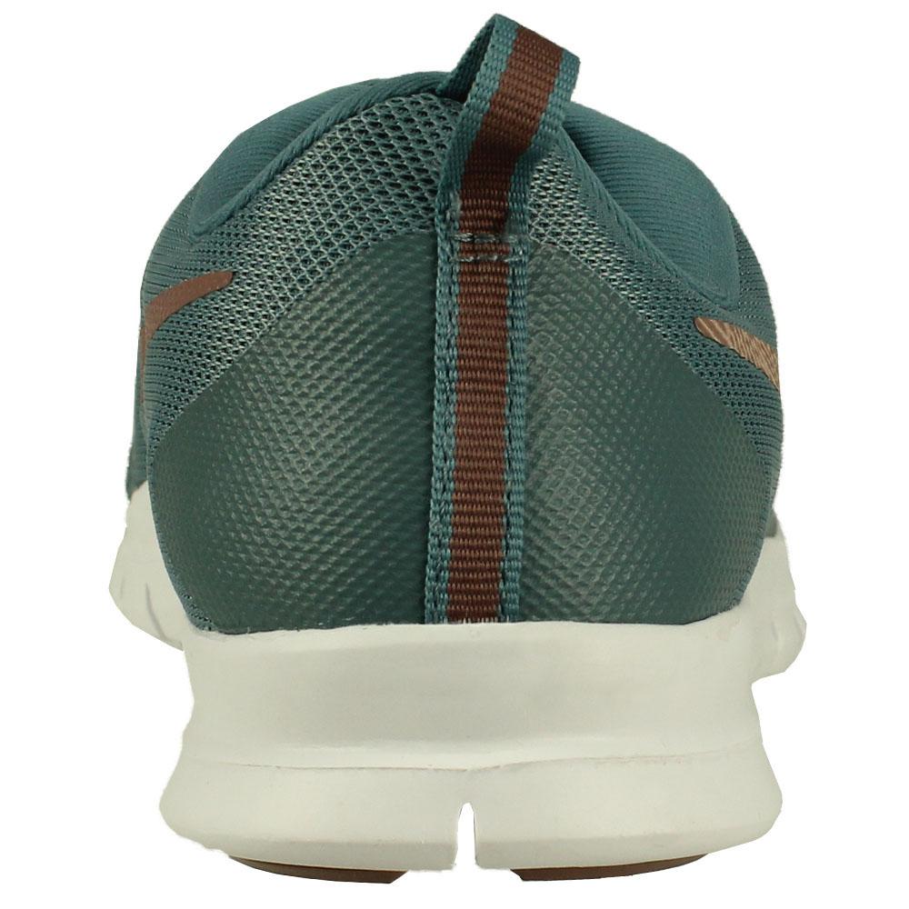 Tênis Nike Flex Essential