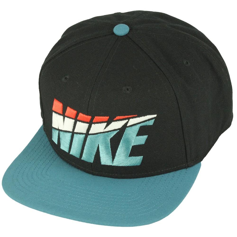 a3b99a2ca7 Boné Nike Pro Graphic Preto Verde Azulado