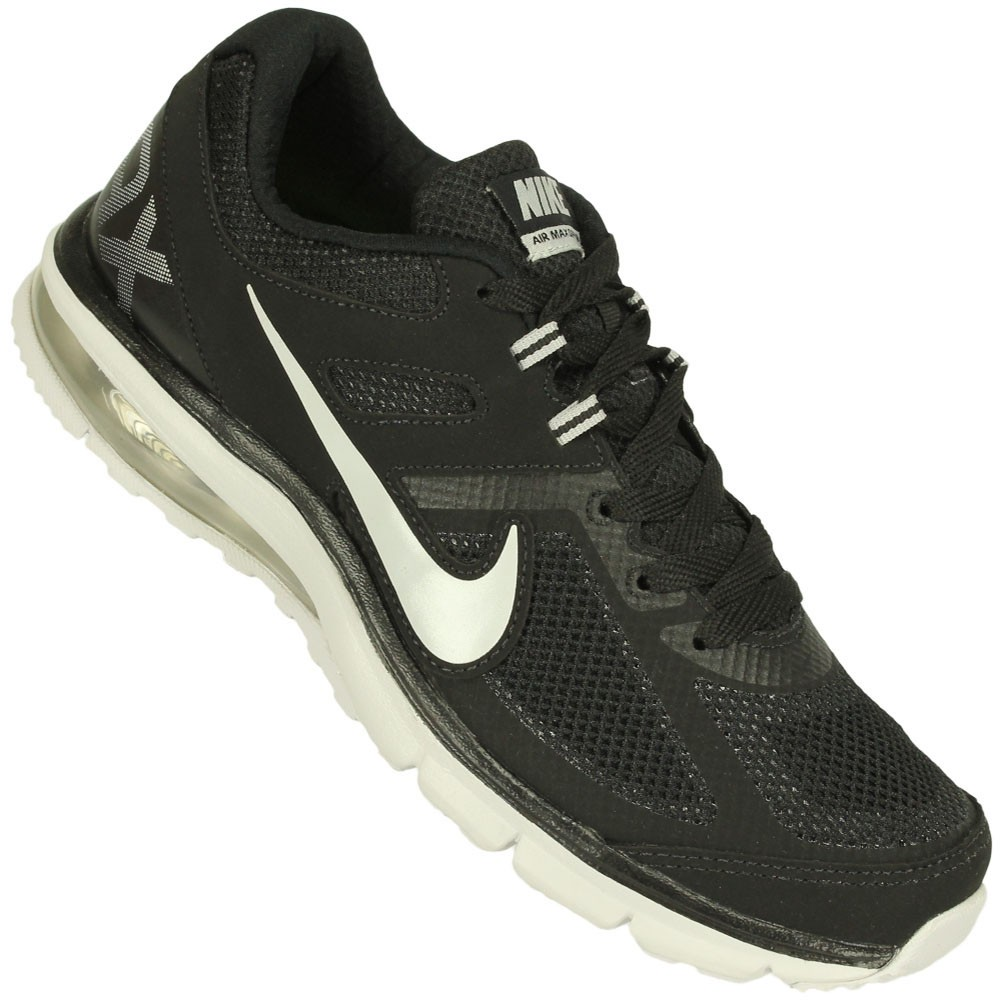differently 2ef2f 6d48e Tênis Nike Air Max Defy RN