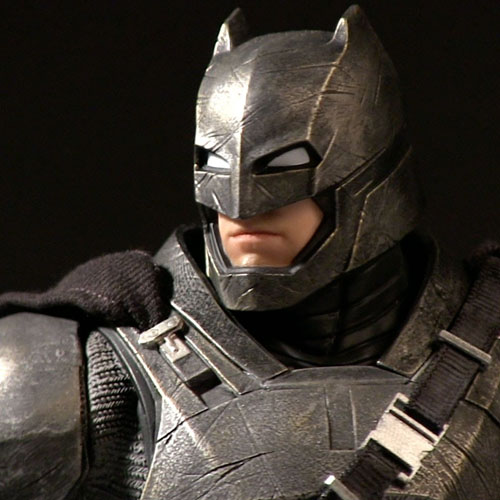 Armored Batman - Action Figure Batman vs Superman - DC Collectibles 2