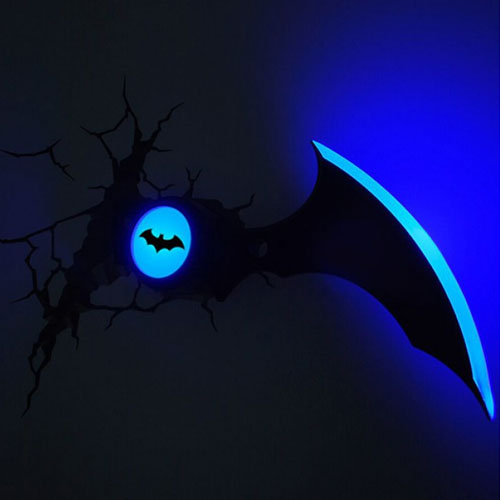Batarang Batman Arkham Knight - Luminária 3D Light FX DC Comics 2