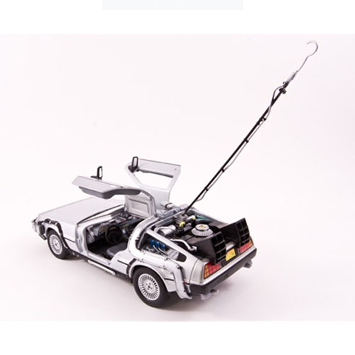 Carro DeLorean Time Machine Back to the Future - Miniatura 1:24 De Volta para o Futuro 3