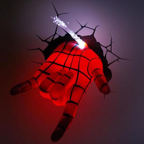 Mão do Homem-Aranha / Spiderman - Luminária 3D Light FX Marvel 2