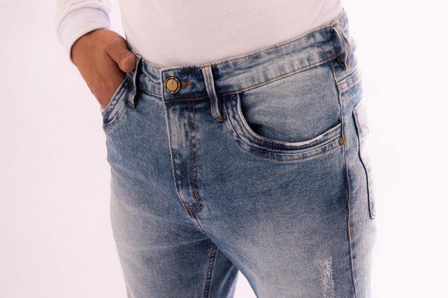 Imagem - Calça Jeans Masculina Skinny Azul Claro Com Lavagem e Puídos