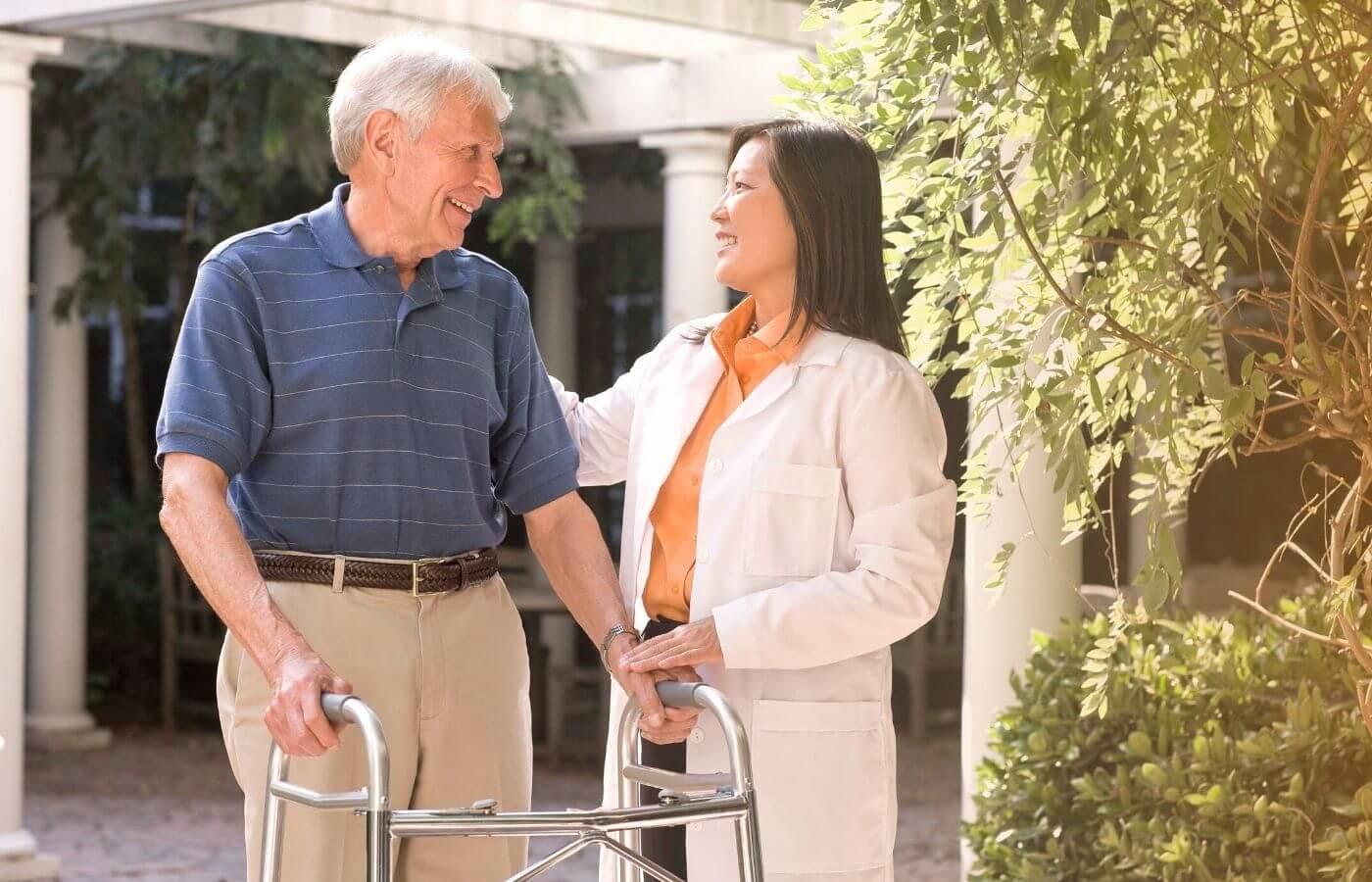 Andador e Cadeira de Rodas: Como Escolher o Modelo Ideal
