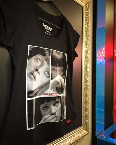 Camiseta Feminina - Pulp Fiction