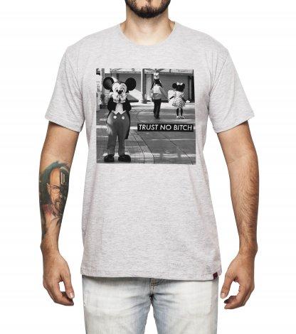 Camiseta Masculina - Trust No Bitch!