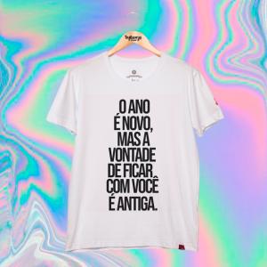 Camiseta Masculina - O Ano É Novo Mas...