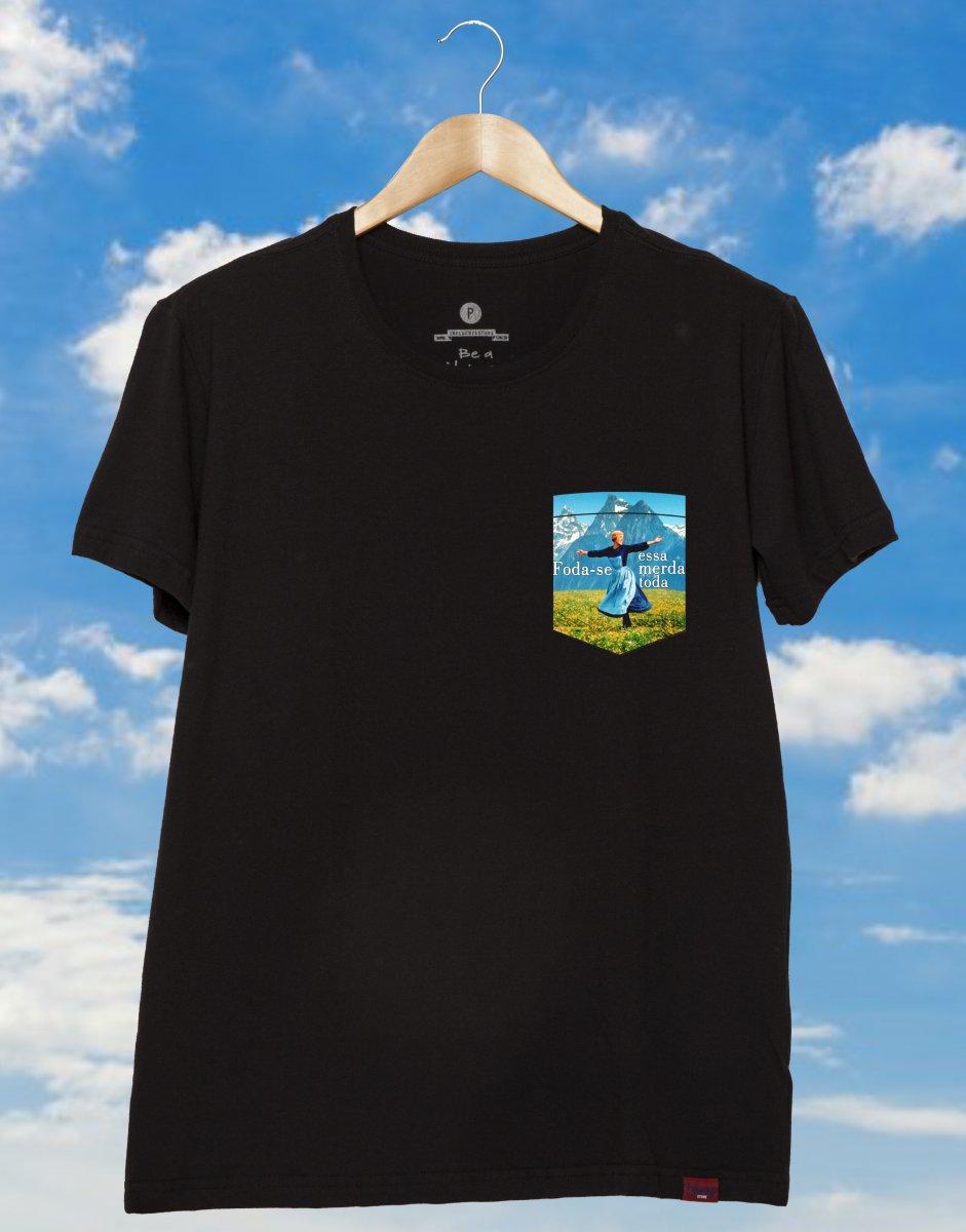 5edd6ae74 Adicionar à lista de desejos. Camiseta Unissex com Estampa Estilo Bolsinho  - Foda-se Essa Merda Toda
