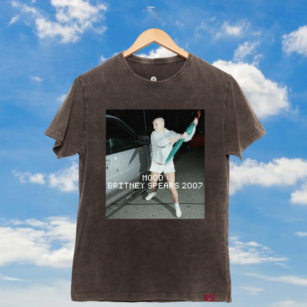 b9d7f1f26 Adicionar à lista de desejos. Camiseta Unissex Estonada - Mood  Britney  Spears 2007
