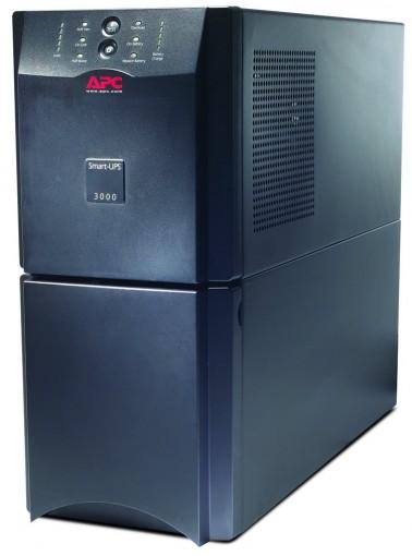 No Break APC Smart-UPS SUA3000I (3000VA) - USB & Serial 230V