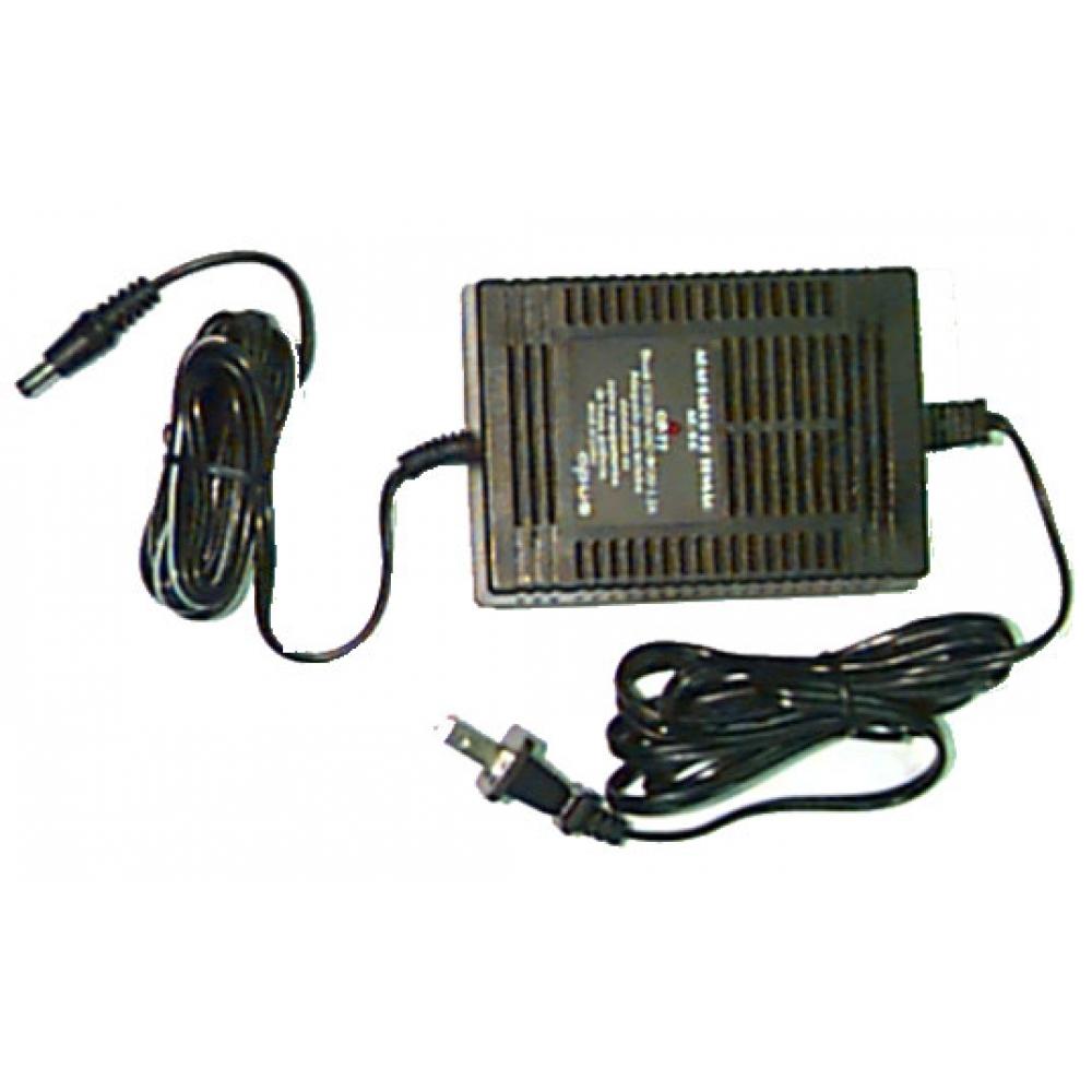 Eliminador de pilhas 1.500 mA - AC bivolt / DC 12 V - OPUS