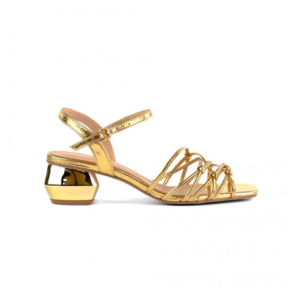 Sandalia Em Couro Metalizado Ouro Salto Baixo